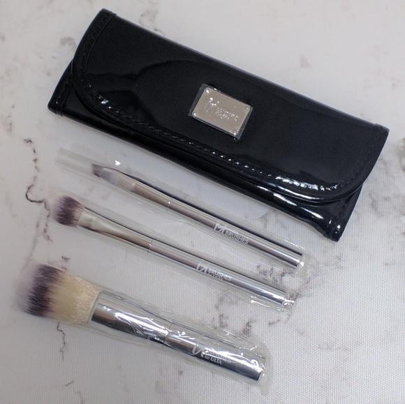 It Cosmetics Makeup For Ulta Travel Brush Set Poshmark